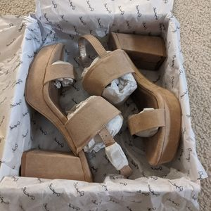NWT Qupid Faux Suede Neutral Taupe Block Heels